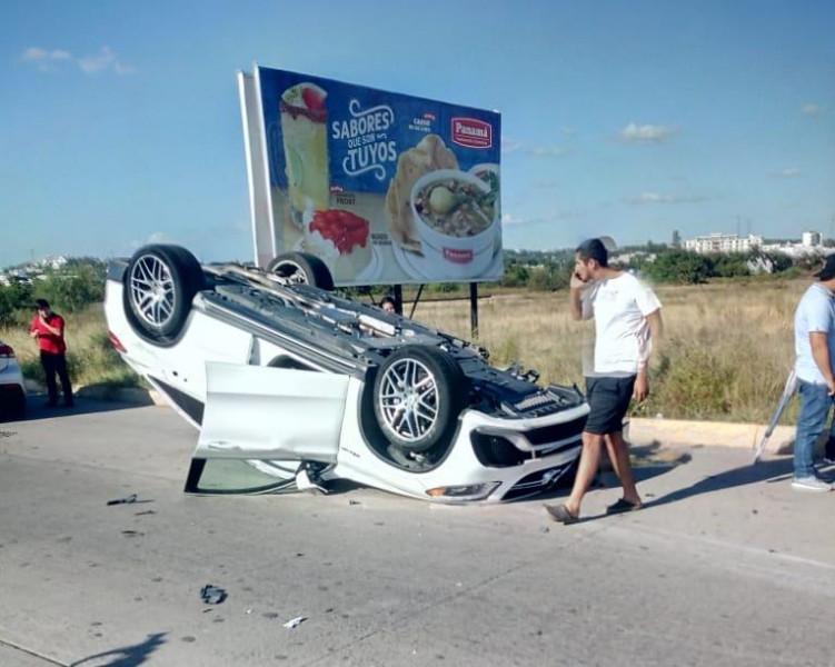 Accidente automovilístico en Musala solo deja daños materiales