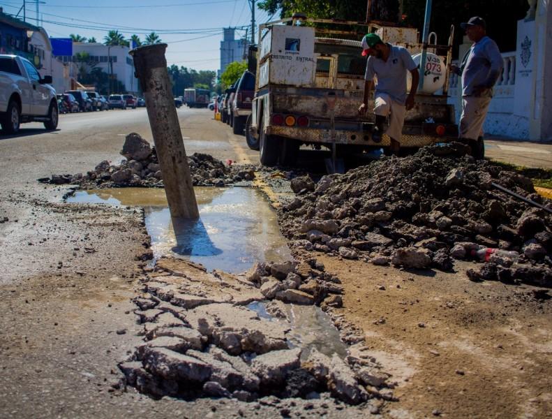 Utilizan 'Bypass' para reparar drenaje en Mazatlán