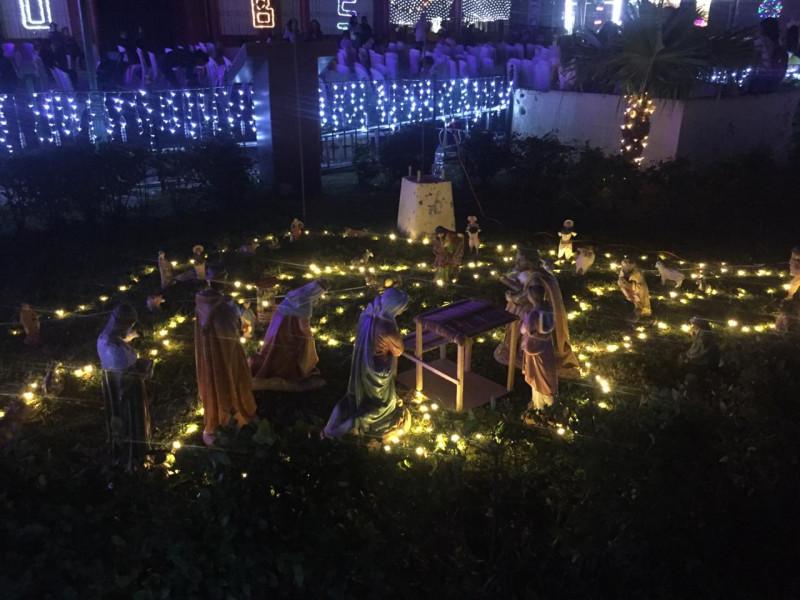 Invade espíritu navideño la plazuela de Villa Unión