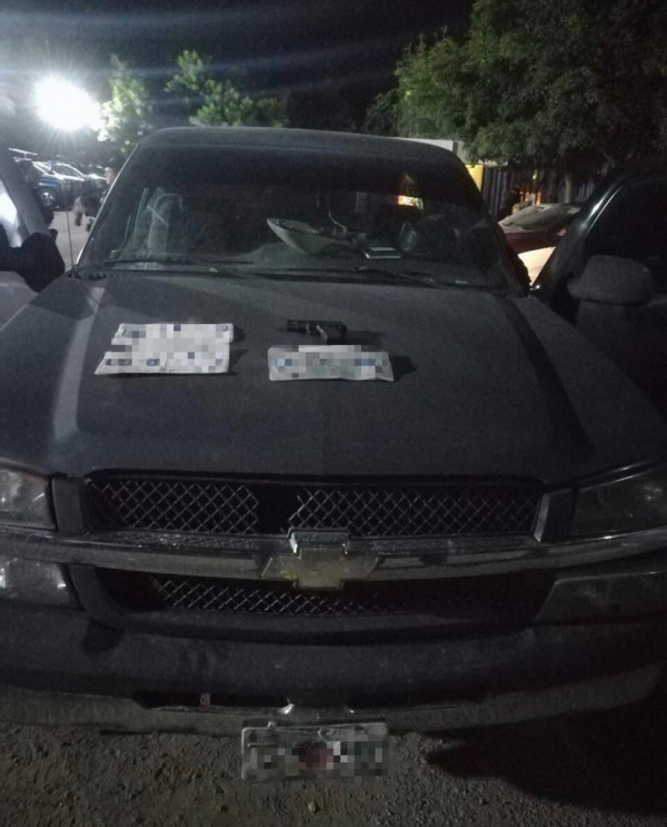 Tras persecución, recuperan vehículo robado