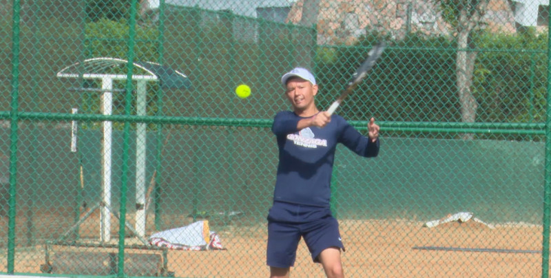 Cesar Vargas busca abrir camino en USA para tenistas mazatlecos