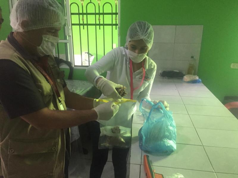 COEPRISS cierra taquería donde se intoxicaron quince personas en Escuinapa