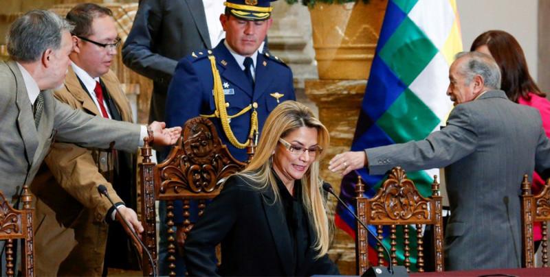 """Bolivia expulsa a embajadora de México al declararla """"persona no grata"""""""