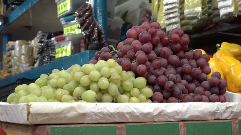 Piden 12 deseos con 12 uvas
