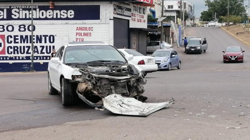 Una mujer resulta herida en accidente de transito