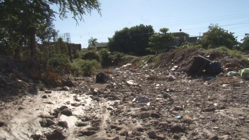 Malas condiciones del arroyo en la Huizaches