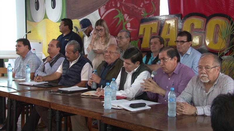 Insatisfechos comerciantes de la Avenida Rafael Buelna tras reunión con autoridades