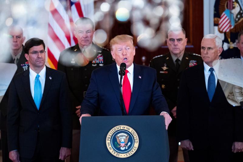Tras los ataques a bases militares, Trump se inclina por la Paz