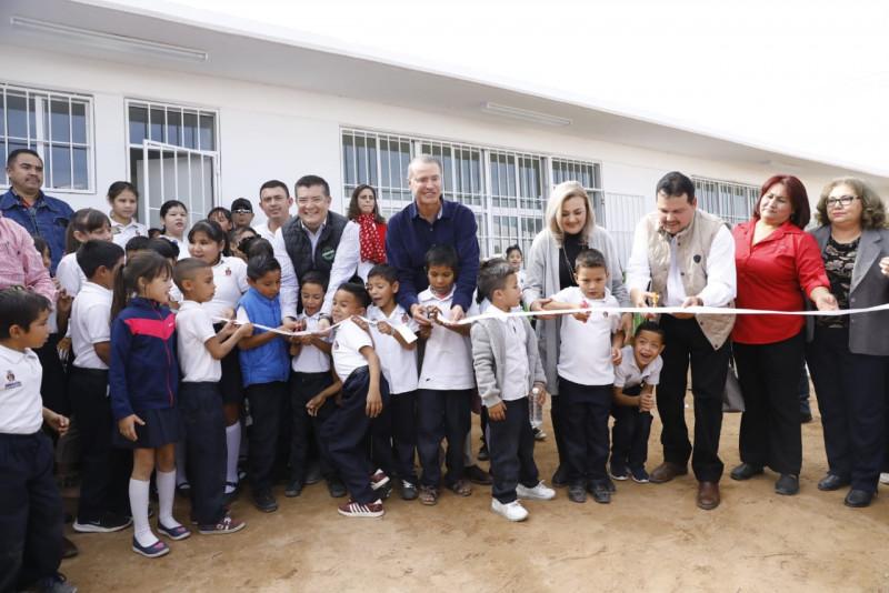 Entregan escuela nueva en Choix