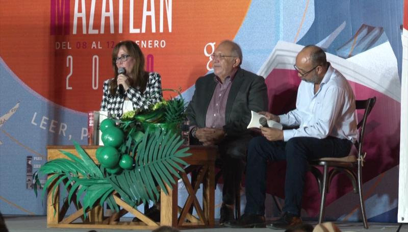 """Presentan  """"Hacia una economía moral"""" de AMLO"""