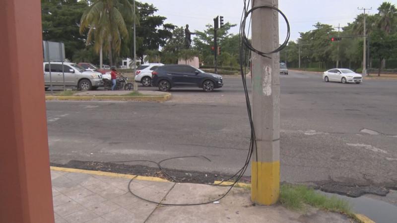 Cables tirados por la Josefa Ortíz de Domínguez