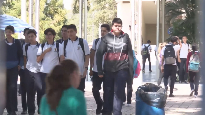 Alumnos de la UAS no reciben pagos de Beca Benito Juárez