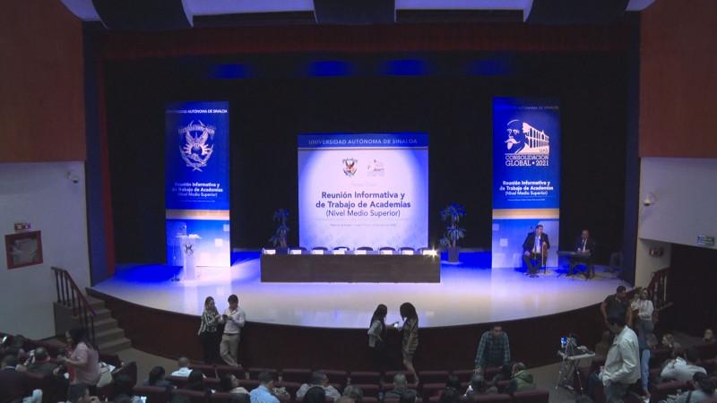 Trabajadores de Prepas de la UAS reciben información sobre situación de la Universidad