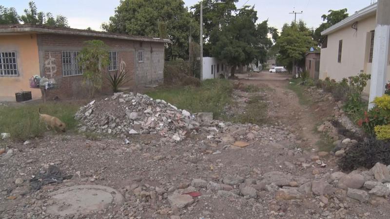 Llena de escombro la calle José Maria Truchuelo