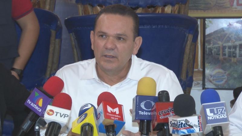 Dice Sergio Torres Félix que sí aspira a una candidatura por la gubernatura de Sinaloa
