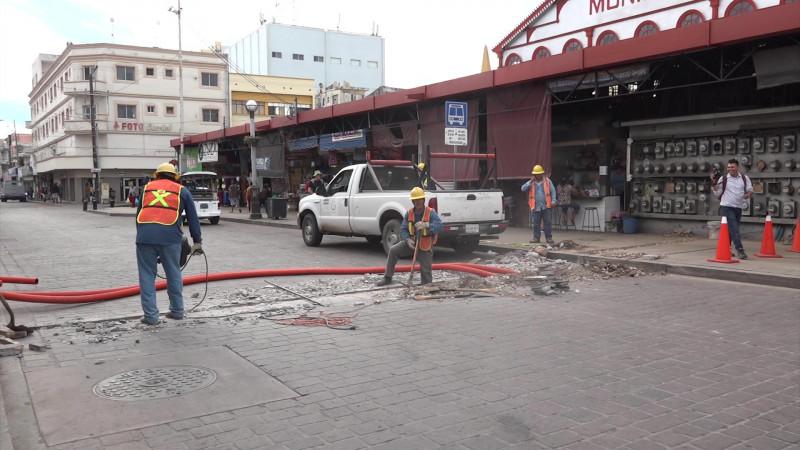Se reactivan trabajos de red eléctrica en el Pino Suárez