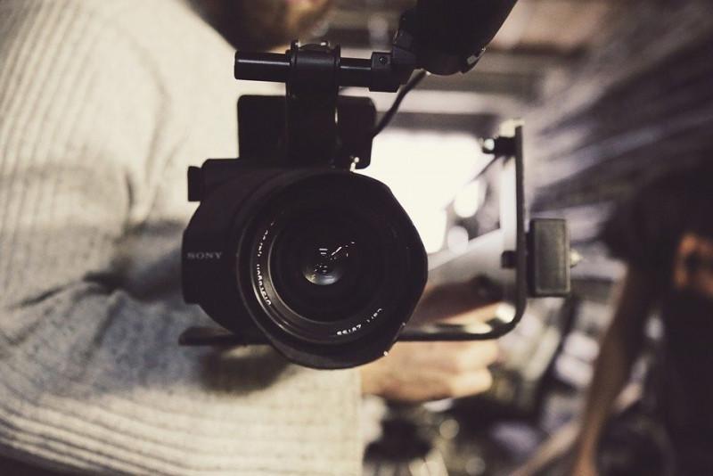 Plataformas para ganar dinero vendiendo vídeos