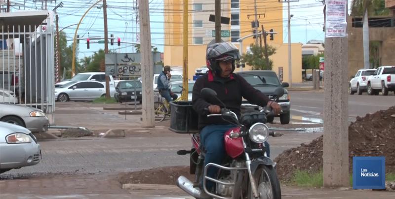 Niño pierde dentadura tras accidente en moto; llevaba casco pero no reglamentario