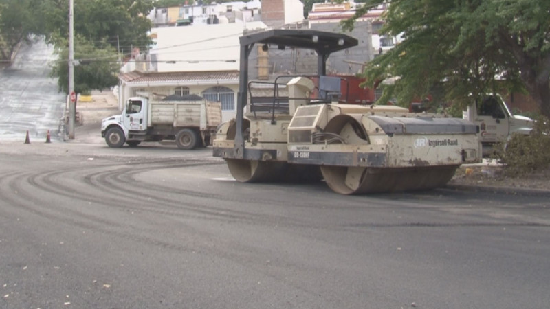 Arreglan calle Guadalupe Victoria en Cañadas