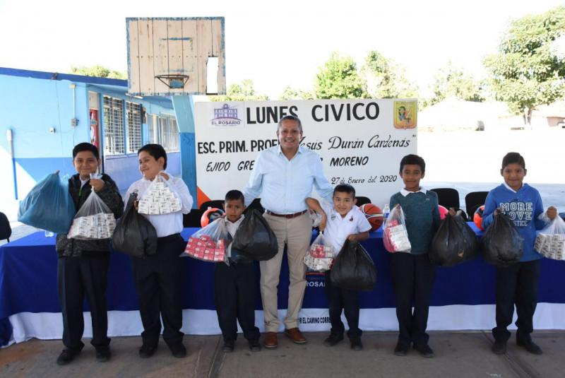 Acude alcalde de Rosario y funcionarios a lunes cívico