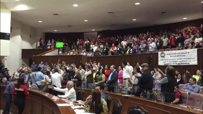 Stasistas exigen a diputados que se dictamine iniciativa de ley del IPES