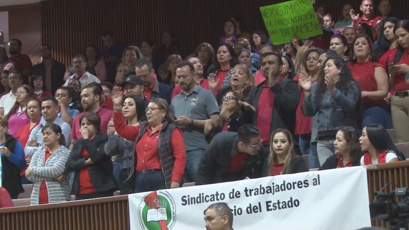 Posible costo político impide a diputados dictaminar Ley del IPES: STASE