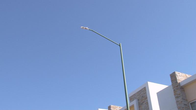 Les cambian lámparas buenas por led