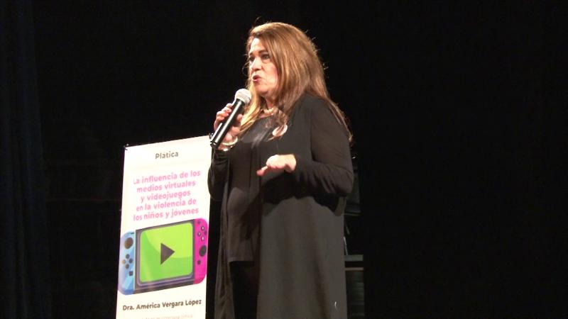 Impacta conferencia sobre la influencia de los videojuegos en los niños