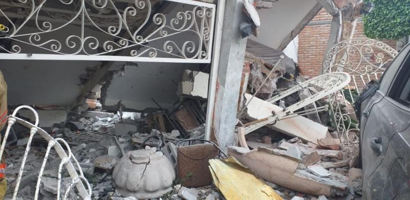 Explosión afecta tres viviendas en la memoria