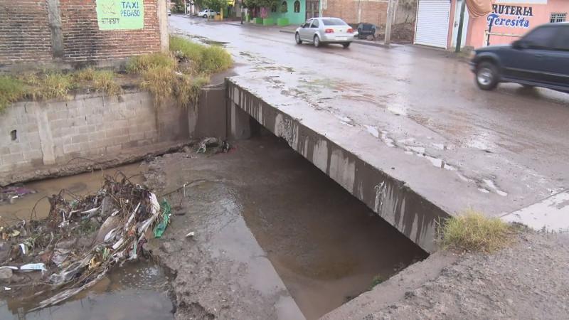 Sin colocar barandal en arroyo de Ampliación Toledo Corro