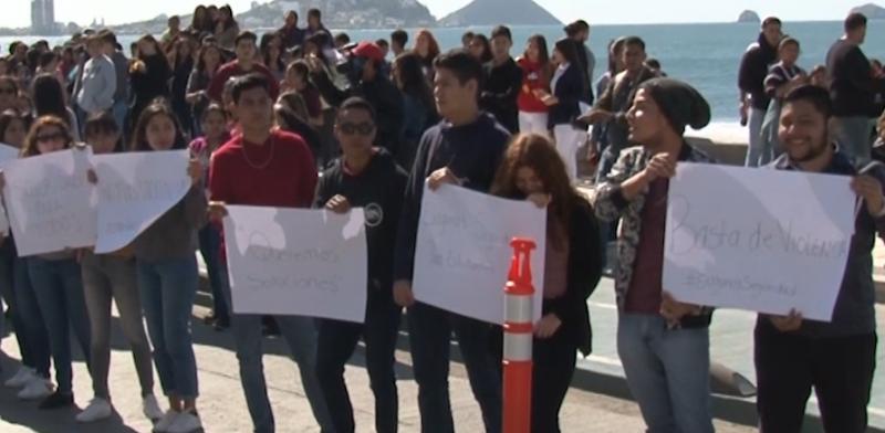 Alumnos de UAdeO se manifiestan por inseguridad; autoridades piden hagan uso de App y vestimenta formal.