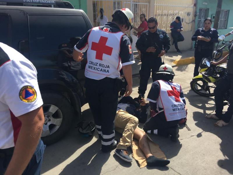 Se accidenta motociclista en avenida Juan Pablo II