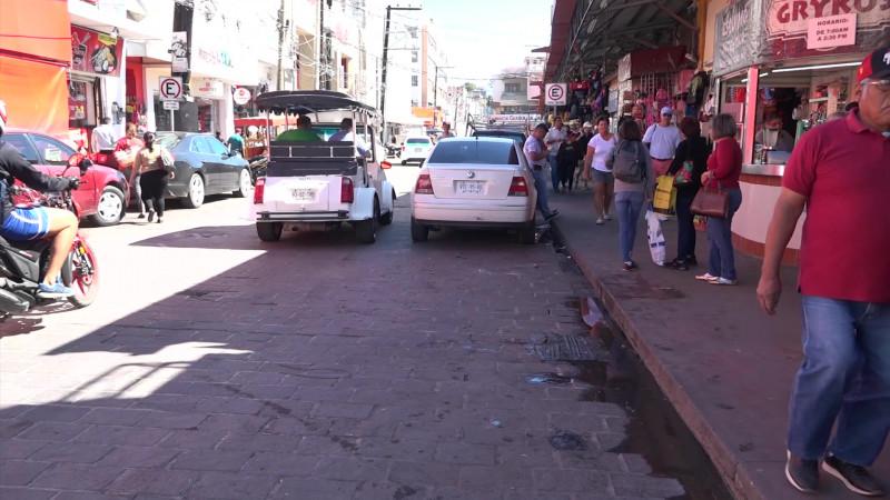 Inicia éxodo de ambulantes alrededor del Pino Suárez