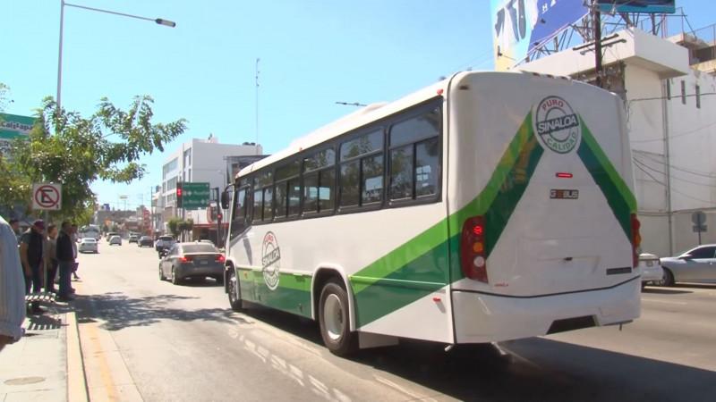 Cae hasta un 30 por ciento en aforo de usuarios del transporte público