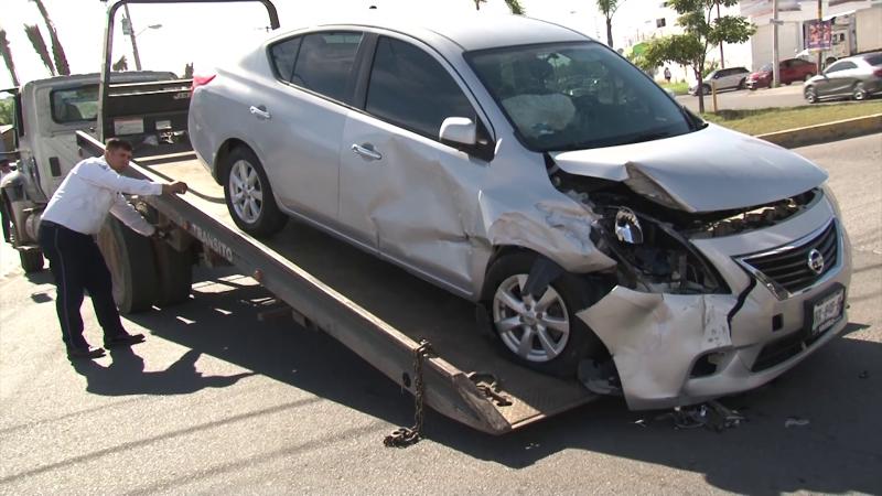 Accidente vehicular deja como saldo una mujer lesionada