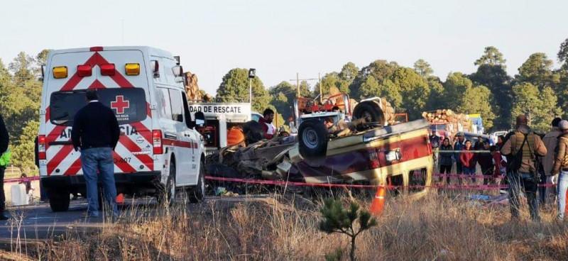 Nueve personas pierden la vida en accidente sobre la carretera Coyotes