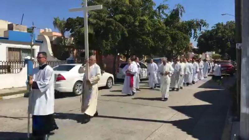 Marchan católicos por el perdón y la paz