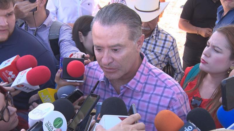 Asegura gobernador no tener compromiso con nadie para dirigir a ISMujeres