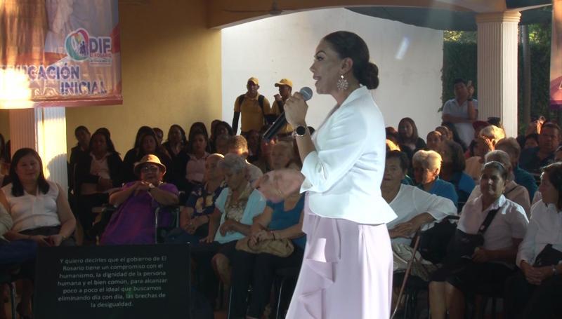 Rinde primer informe de labores presidenta del DIF Rosario