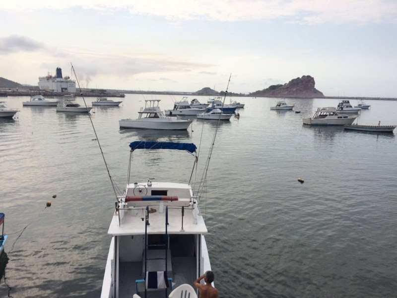 Capitanía abre y cierra el puerto a la navegación
