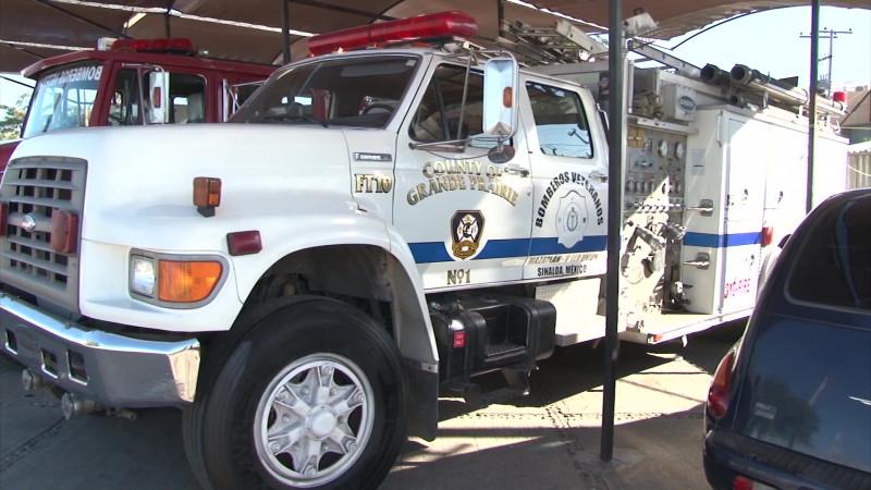 Apelan al 'ciudadano cumplido' para apoyar a bomberos de Mazatlán