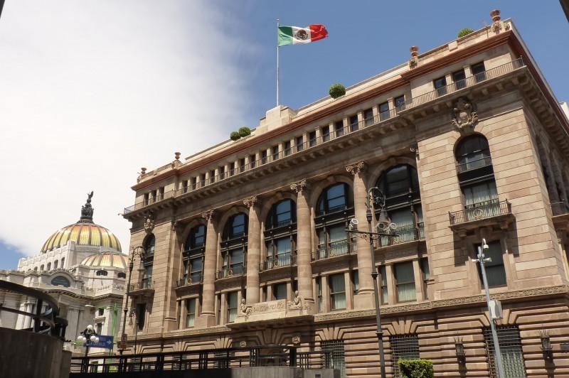 Trabajador del Banco de México da positivo en Coronavirus