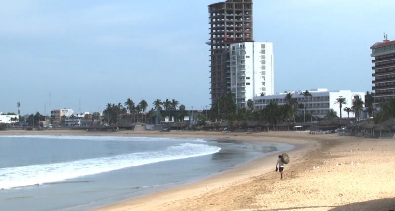 Descartado temporalmente el cierre de playas en Mazatlán por COVID-19