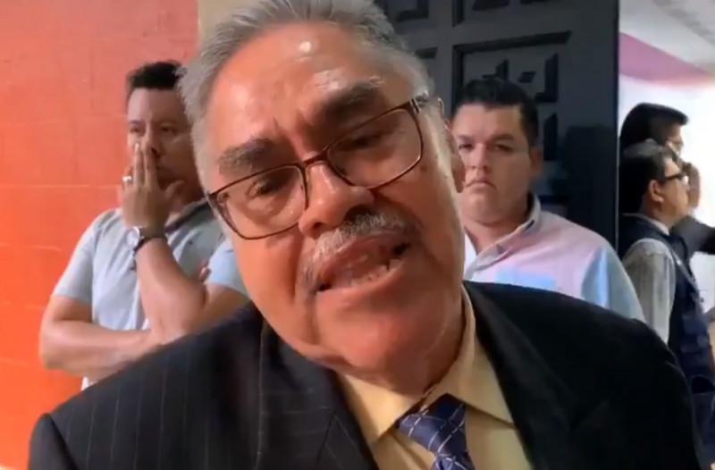 Tachan de frívolo al Delegado del IMSS en Morelos y se viraliza en Twitter el hashtag #Capulina