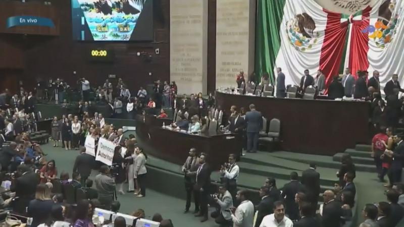 """Fue """"gandalla"""" la bancada de Morena al aprobar modificaciones electorales sin la oposición presente"""