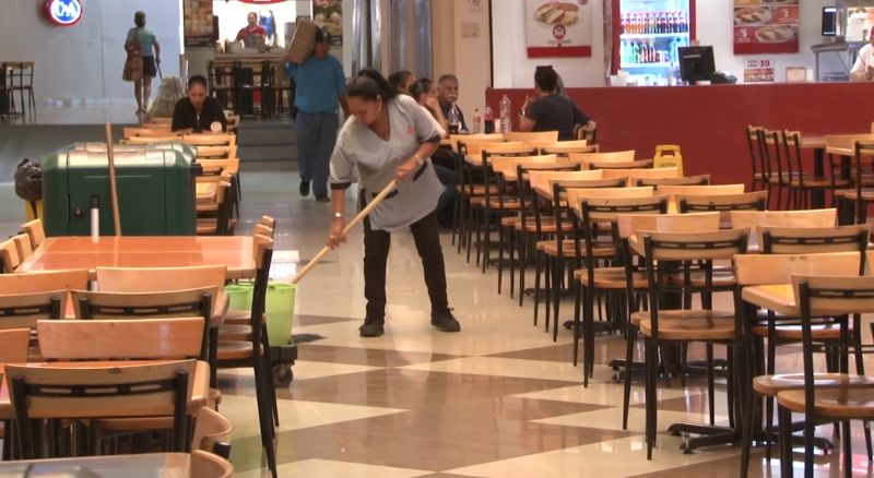 Centros comerciales continúan abiertos acatando medidas preventivas