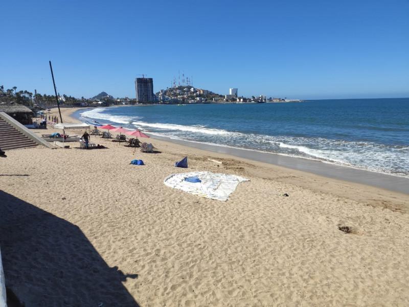 Desoladas las playas de Mazatlán