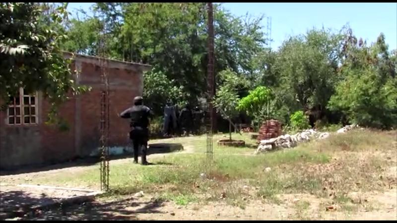 Detienen a dos personas por disparar arma de fuego