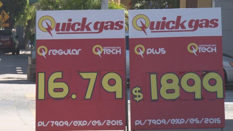 Sigue a la baja el precio del combustible