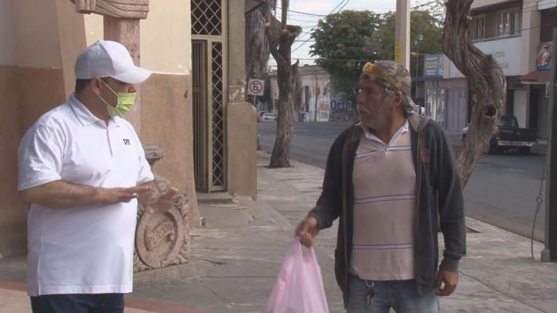 Mas de 10 mil despensas ha entregado el Padre Miguel Soto de la Iglesia del Carmen